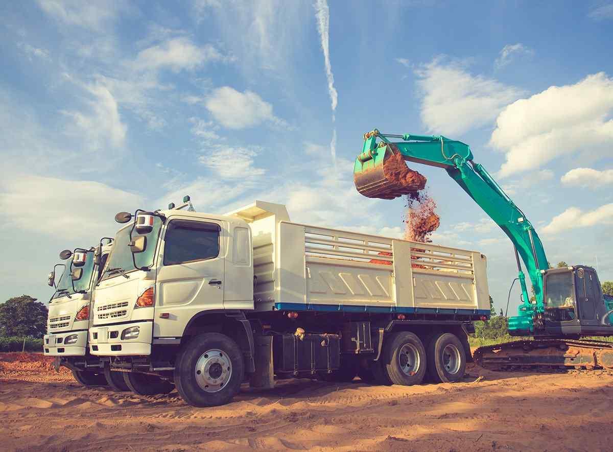 https://www.itetservizi.it/wp-content/uploads/2017/08/inner_big_trucks_03.jpg