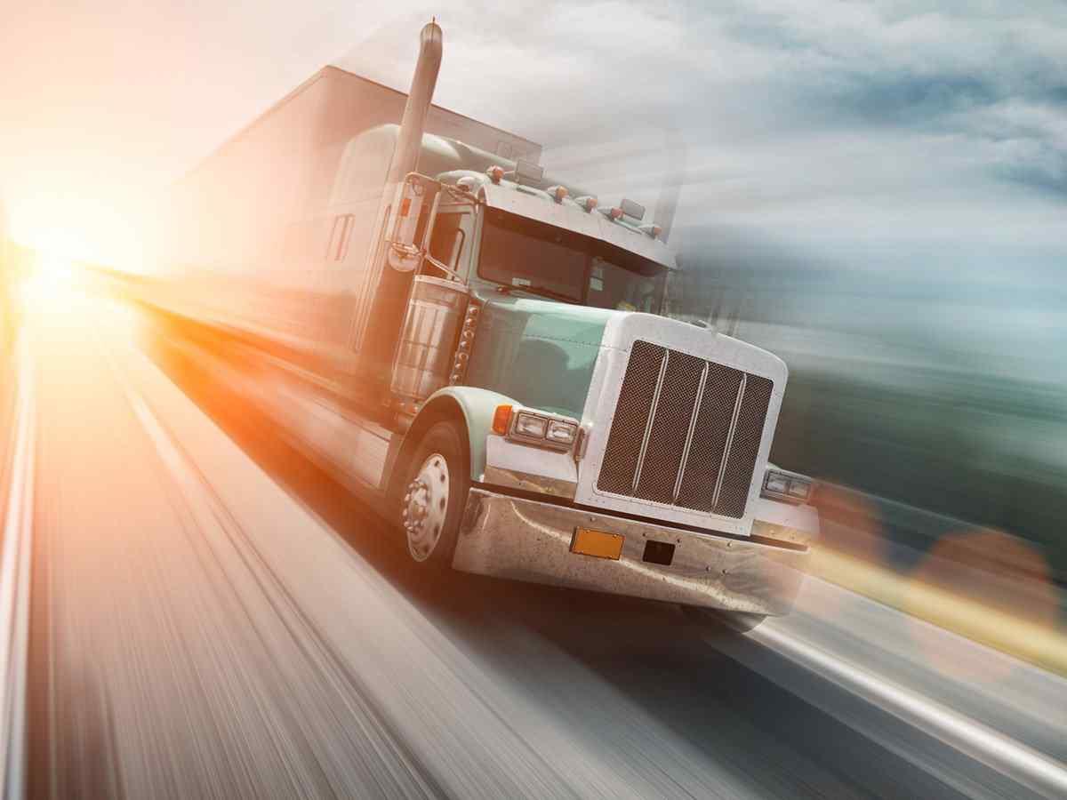 https://www.itetservizi.it/wp-content/uploads/2017/08/inner_big_trucks_08.jpg